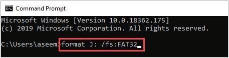 Nhập lệnh format J: /fs:FAT32