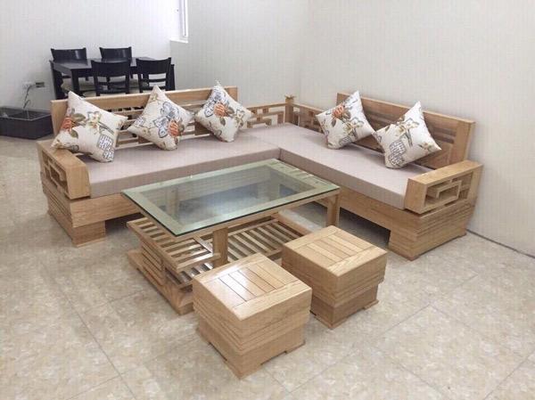 Bộ bàn ghế gỗ phòng khách đơn giản kết hợp với đệm lót nỉ