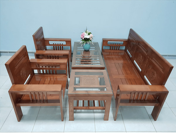 Bộ bàn ghế Phúc Lộc Thọ làm bằng gỗ Sồi Nga