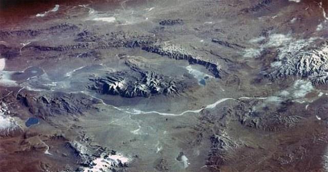 Nhiệt độ tăng lên, sông băng tan có thể giải phóng virus nguy hiểm từ Kỷ băng hà
