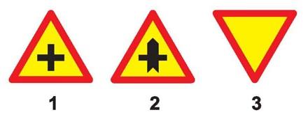 """Câu hỏi 12: Biển nào báo hiệu """"Đường giao nhau"""" của các tuyến đường cùng cấp?"""
