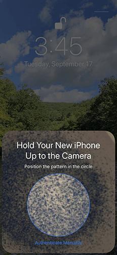 Điện thoại cũ mở camera hiển thị một vòng tròn trống ở giữa màn hình