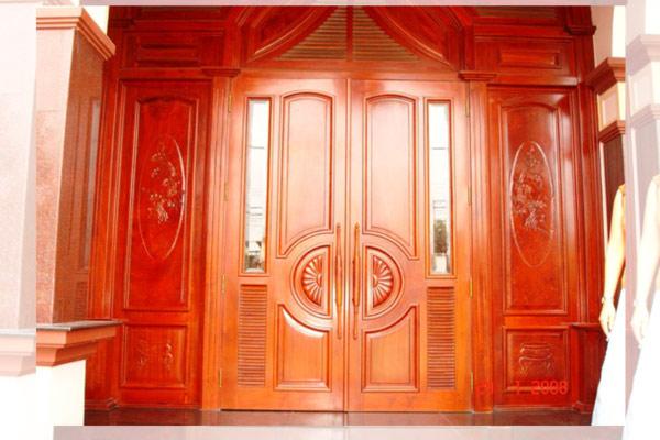 Mẫu cửa gỗ 4 cánh đẹp 8