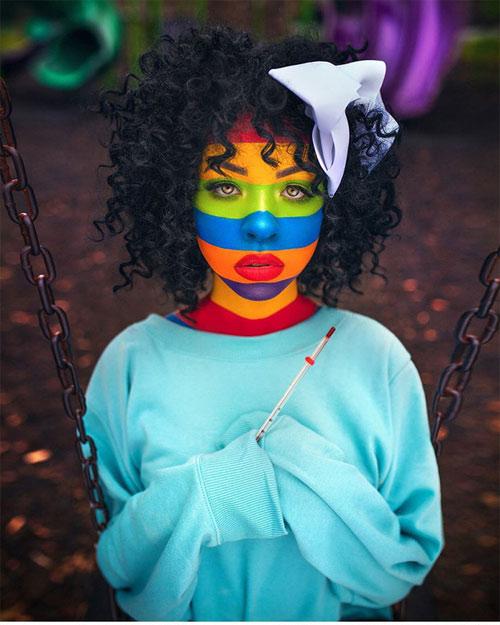 Bức ảnh ấn tượng với khuôn mặt trang trí đầy màu sắc