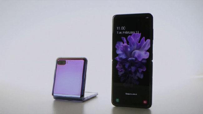 Việc để các ứng dụng hoạt động tốt với điện thoại gập tương đối đơn giản