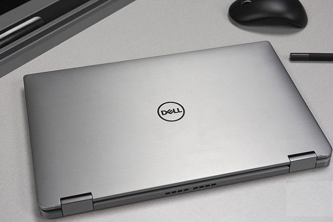 Dell Latitude 7400 có vỏ ngoài bằng nhôm màu bạc