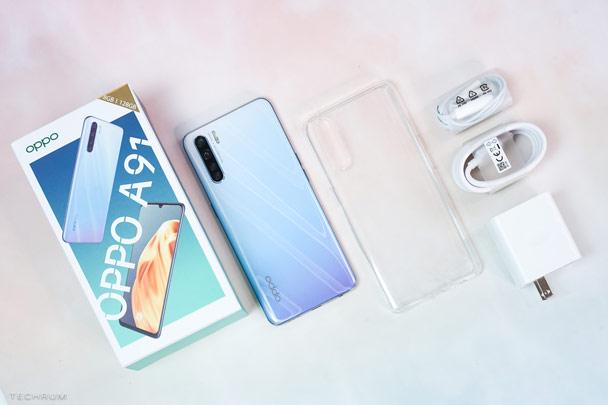 Oppo A91 có giá bán là 6,69 triệu đồng kèm theo các phụ kiện gồm cáp USB-C, tai nghe, cục sạc nhanh và ốp lưng trong suốt