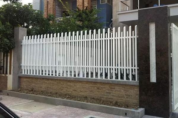 Hàng rào sắt hộp 1