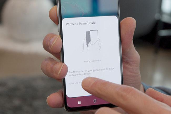 Wireless PowerShare là công nghệ sạc ngược của Samsung