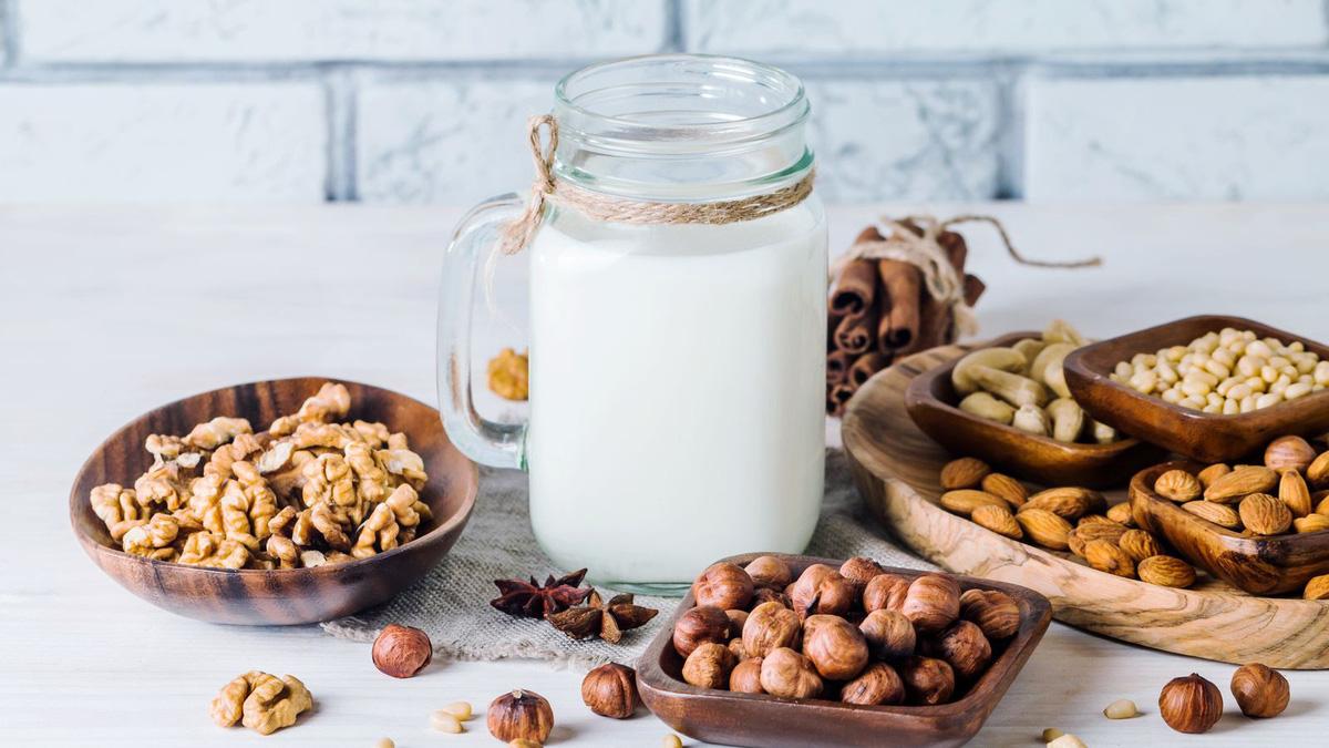 cách làm sữa hạt bằng máy xay sinh tố