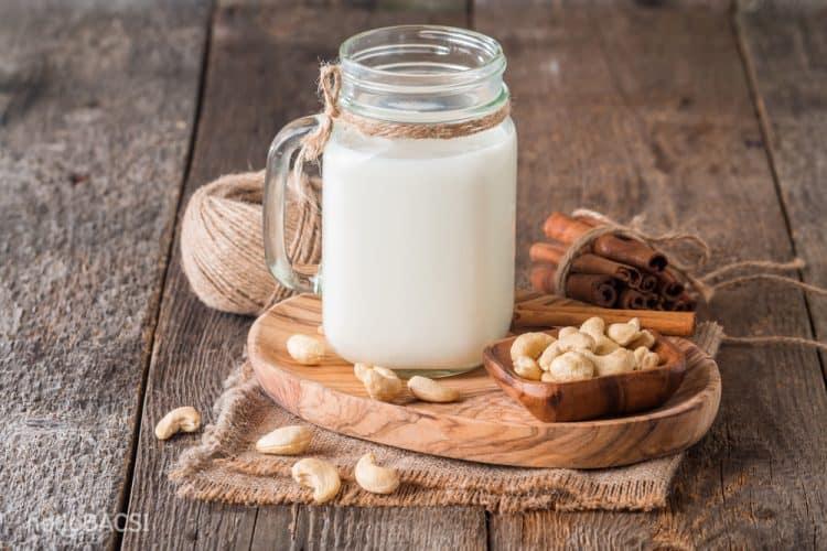 Sữa hạt điều đơn giản, dễ làm tại nhà