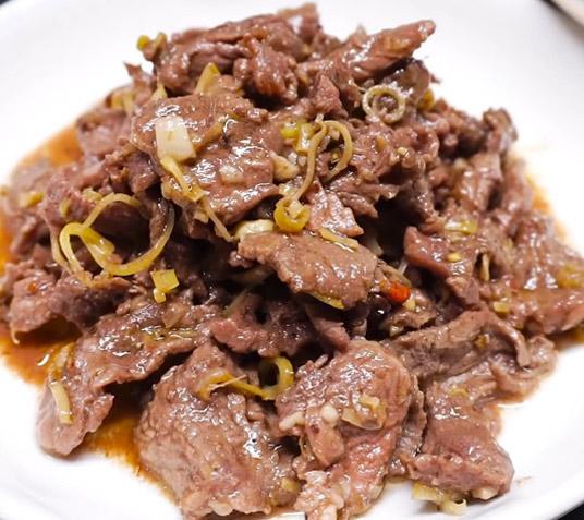 Thịt bò xào sả ớt