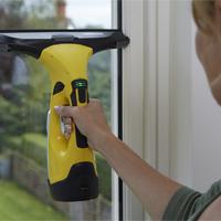 Những dụng cụ lau kính cần có để sử dụng trong gia đình