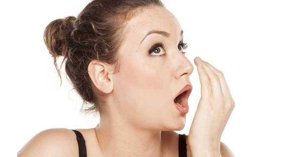 Tinh dầu tràm giúp khử mùi hôi miệng hiệu quả