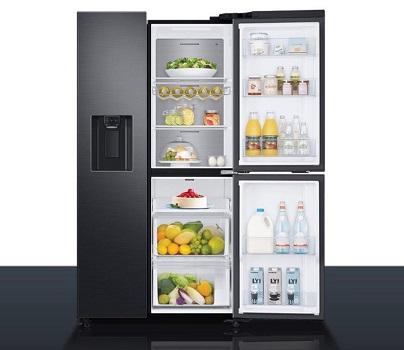 Ngăn tủ lạnh được sắp xếp khoa học giúp tủ trở nên tiện lợi hơn.