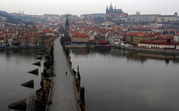 Cây cầu Charles ở Prague, Cộng hòa Czech, ngày 20/3