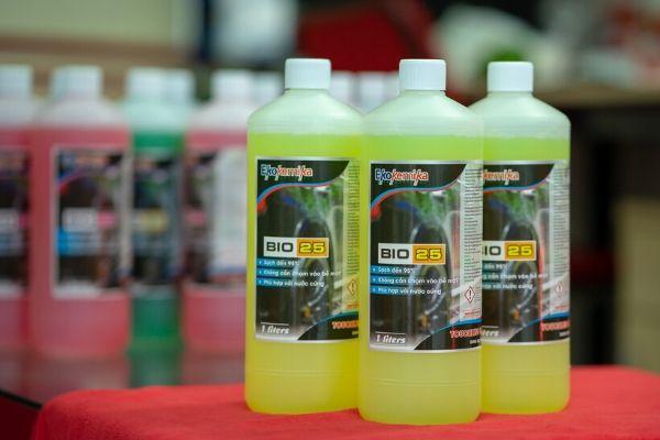 Nước rửa xe không chạm hiện là loại hóa chất rửa xe hiện đại nhất
