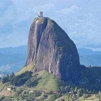 Video: Khám phá Guatape - Tảng đá nguyên khối cổ xưa 70 triệu năm tuổi, nặng 10 triệu tấn