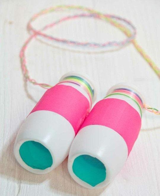 Làm ống nhòm đồ chơi cho bé từ hộp sữa nhựa susu