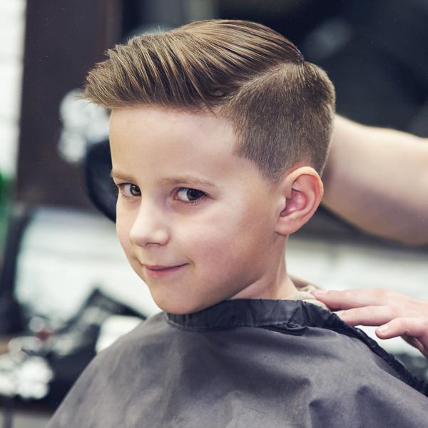 Hướng dẫn cha mẹ tự cắt tóc cho bé trai đơn giản tại nhà - Quantrimang.com