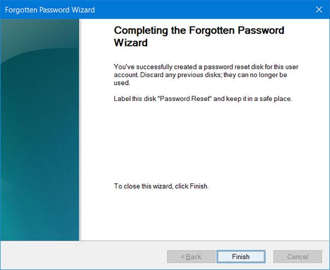 """Thông báo """"Completing the forgotten password wizard"""" trên màn hình"""