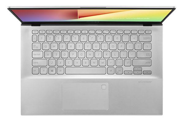 VivoBook đi kèm với bàn phím chiclet có các phím được bo tròn