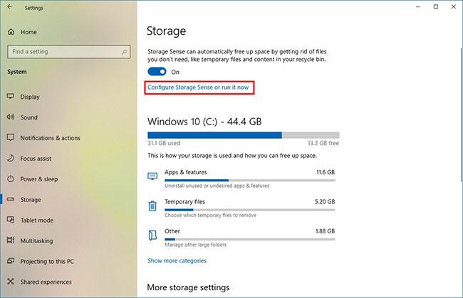 Nhấp vào tùy chọn Configure Storage Sense or run it now