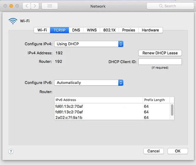 Chọn tab TCP/IP, địa chỉ IP của router IP được hiển thị trong phần Router