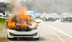 Nguyên nhân khiến ô tô bốc cháy và cách xử lý kịp thời