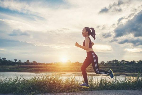Trong thời gian nắng nóng kỷ lục thì chỉ nên tập thể dục nhẹ nhàng trong khoảng 30 phút