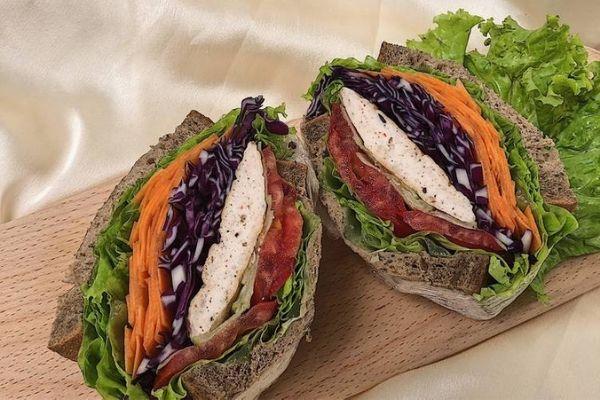 Sandwich ức gà