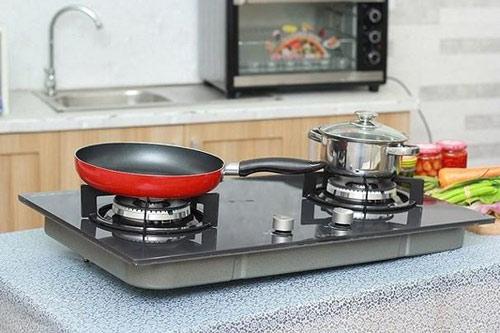 Trong quá trình nấu nướng luôn có mặt trong bếp