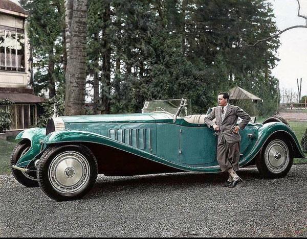 Xe ô tô ngày xưa to như này cơ mà, giật mình chưa