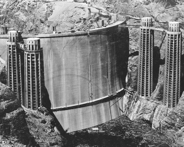 Đập Hoover khổng lồ