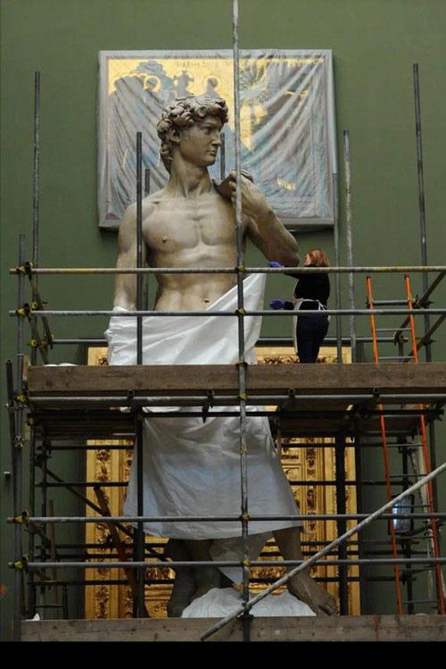 Bức tượng David cao 5m, nặng hơn 5 tấn