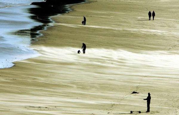 Những cơn bão cát kỳ lạ ở Tymeouth, England, Anh được tạo ra từ những cơn gió mạnh lên tới 113km/h