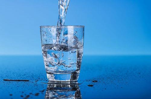 Sử dụng bình lọc nước để đảm bảo chất lượng nước uống sạch sẽ hơn