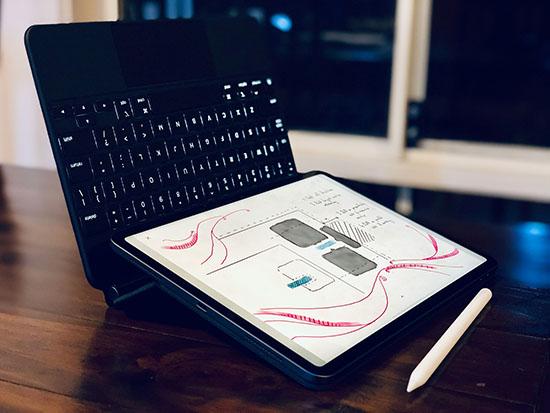 Magic Keyboard có thể biến thành giá đỡ cho iPad Pro