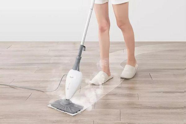 Máy lau sàn hơi nước rất thân thiện với người dùng, sàn sau khi lau khô ngay chỉ trong 2 phút