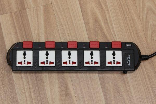 Ổ cắm điện 3 chấu là gì?