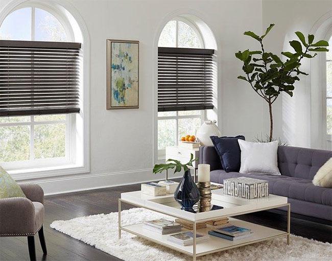 Smart blind (rèm thông minh hay rèm tự động) là tấm che cửa sổ bao gồm các động cơ tích hợp