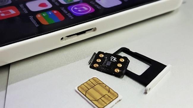 iPhone Lock muốn dùng tại Việt Nam thì cần sự hỗ trợ của SIM ghép (màu đen)