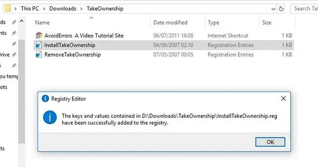 Giải nén file ZIP, nhấp đúp chuột vào InstallTakeOwnership.regvà làm theo hướng dẫn