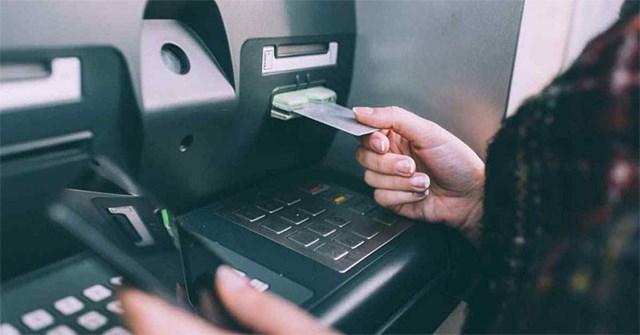 Cách rút tiền tại ATM Vietcombank, Vietinbank, MB Bank... không cần thẻ