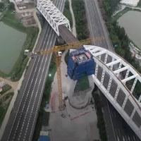 Trung Quốc xoay tháp cầu 12.000 tấn