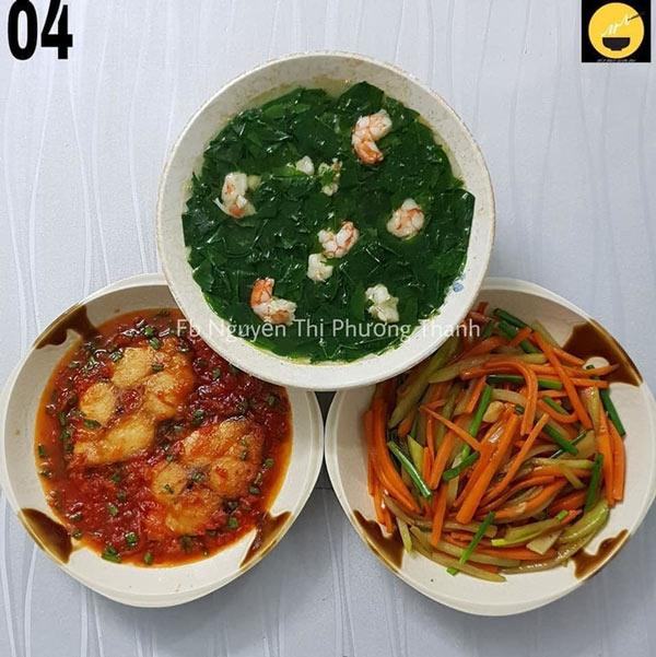 Cá thu chiên sốt cà chua, canh rau ngót nấu tôm, su su xào.