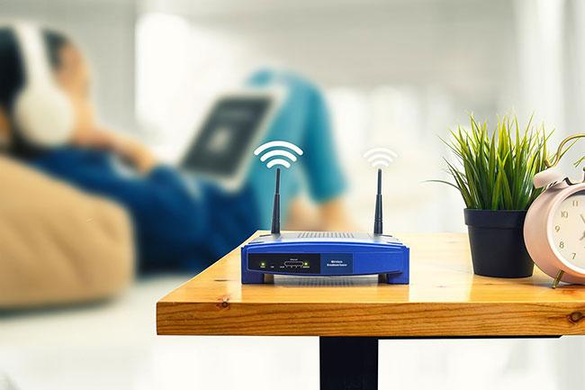 Cách thay thế ăng-ten WiFi trên router không dây - Quantrimang.com
