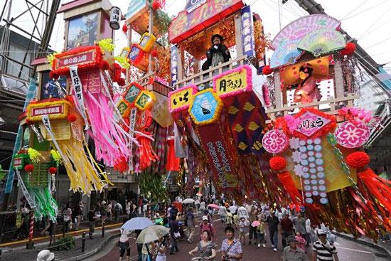 Tại Nhật Bản, nhiều hoạt động lễ hội được tổ chức vào ngày 7 tháng 7 âm lịch.