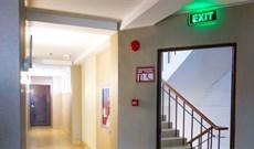 Đèn chiếu sáng khẩn cấp là gì? Lợi ích khi lắp đặt đèn sạc khẩn cấp?
