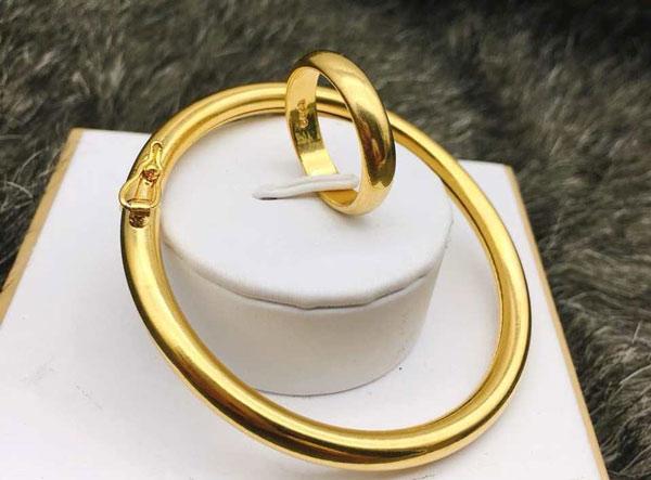 Các món trang sức vàng non ít ra cũng lên đến vài triệu đồng